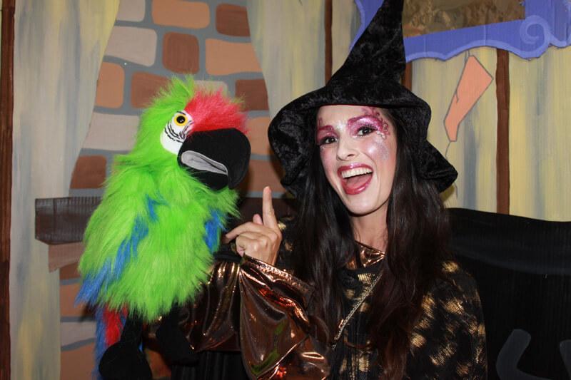 Spectacle pour Enfant Halloween – LA SORCIERE PIROULINE ET LES BOTTES ENSORCELEES (2020)
